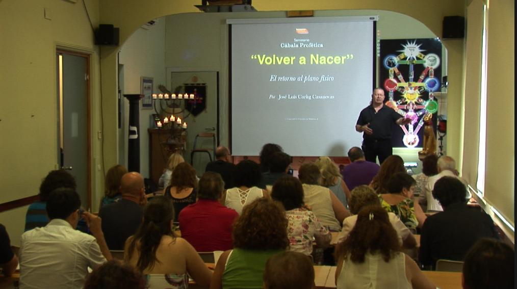 """Foto del seminario """"Volver a nacer"""" impartido por José Luis Caritg en Escuelas de Misterios en Barcelona"""